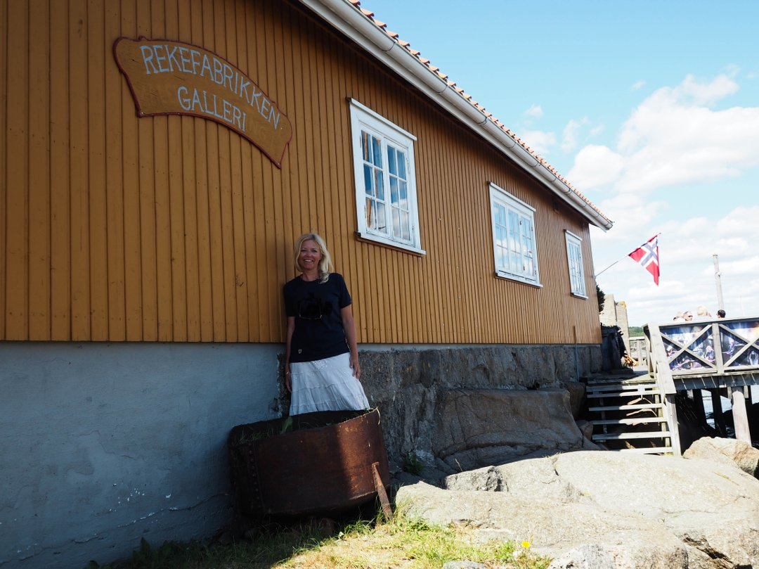 Ingrid Petersson Nørstenæs fra bildebyrået O. Væring stiller ut og selger reproduksjoner av norsk kunst på Galleri Rekefabrikken i perioden 2016-2017. Foto © ØP