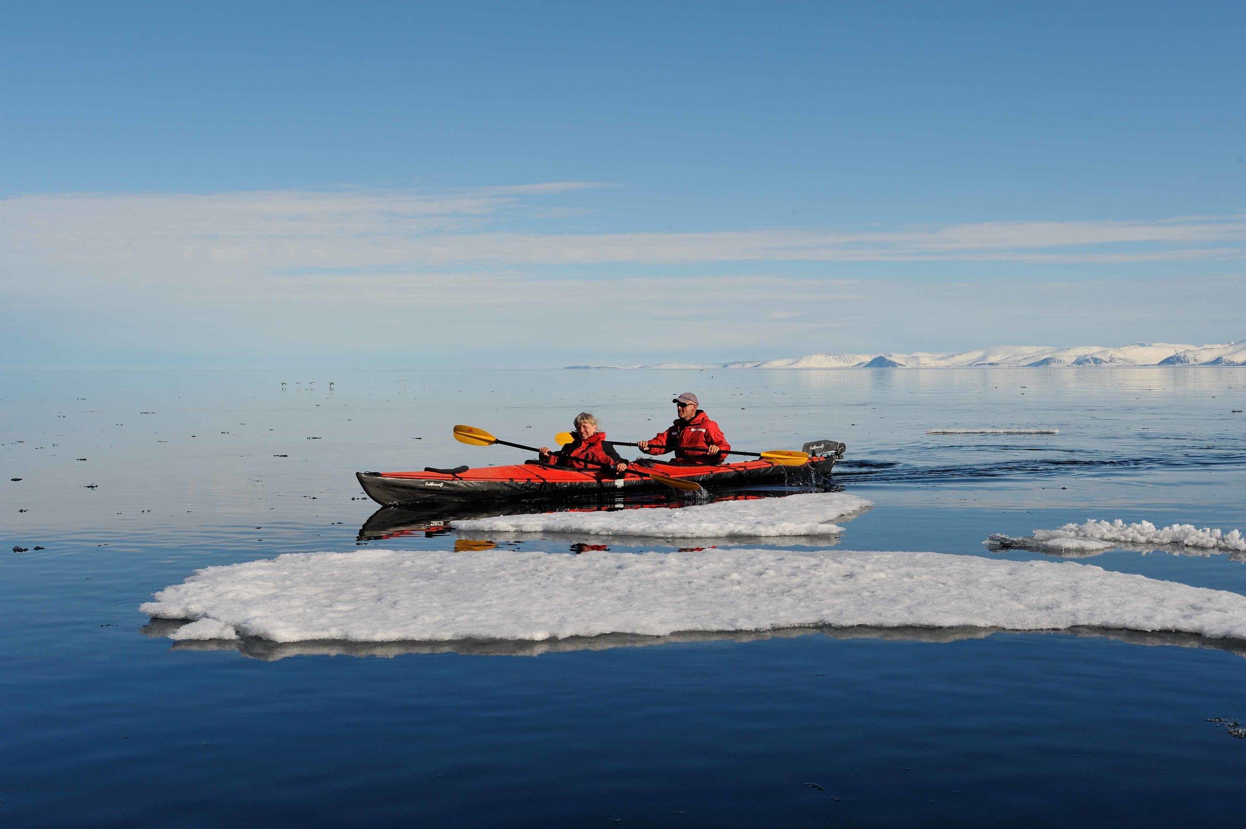 Voyage et déplacements - Comment se rendre à Iqaluit + Activités liées au tourisme pendant que vous êtes ici.