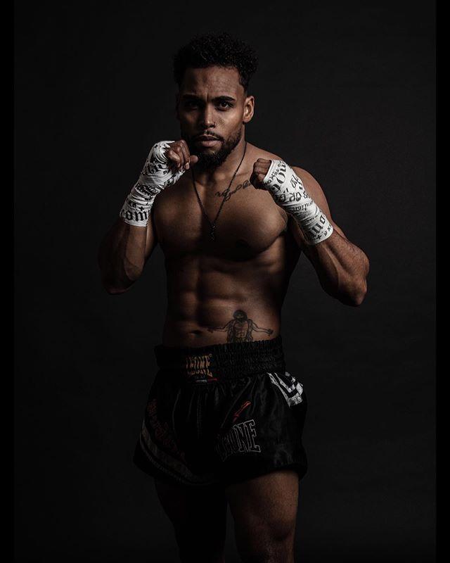 Ma thérapie 🔥 . . . . . . . . . . . . . . . . . . . #fitnessmood#fitnessworld#physiquegoals#igerssuisse#vaud#zürich#lausanne#igersgeneva##modelling#malemodel#photoshoot#photography#picoftheday#kickboxing#k1#boxinglife#boxingvideos#boxinglifestyle#boxingfans#boxingtraining#muaythailife#boxingmotivation#mittwork#igersfrance#igers#igerssuisse#muaythai#boxing