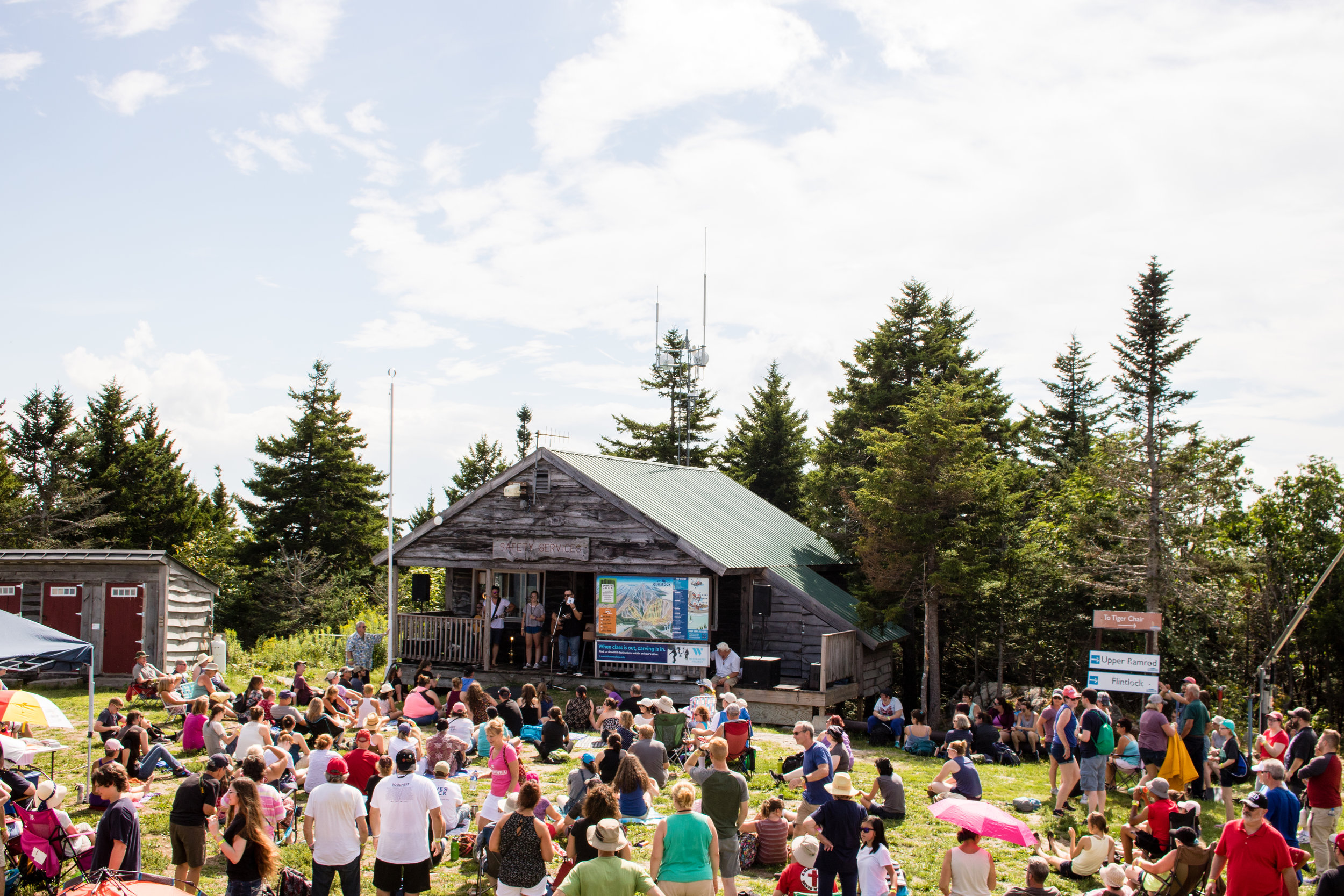 Take a scenic chair-lift ride to our acoustic stage and surround yourself with a panoramic view.