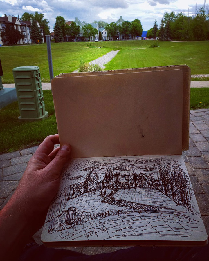 Thomas van der Krogt practicing Urban Sketching.