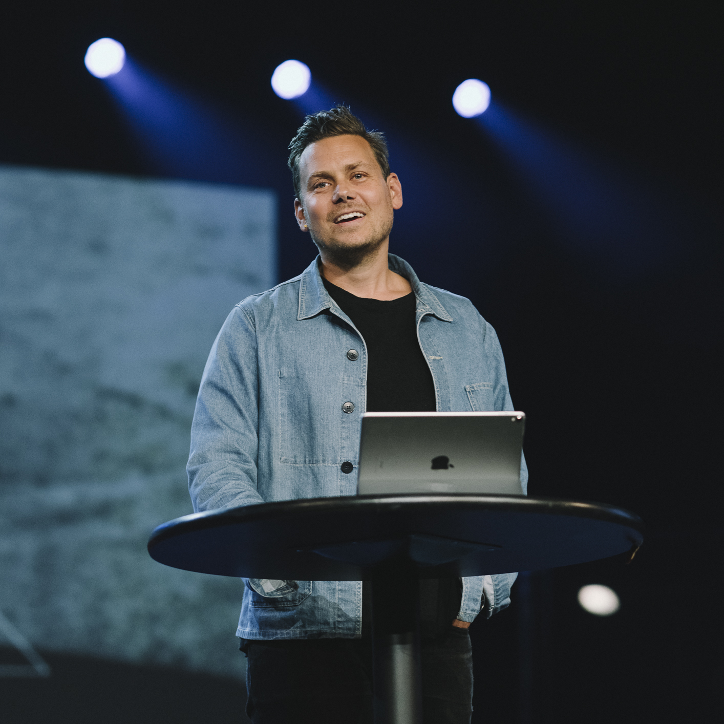 John Mark Comer speaking at Dwell Conference 2019.