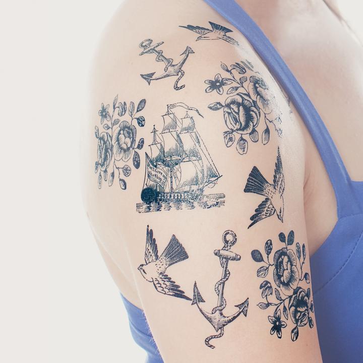tattly_nautical_set_fiona_richards_01_251b2731-8dd1-4c31-b332-e12f8f8c3592_720x.jpg