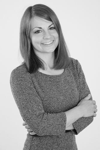 Dr. Anja Feierabend - studierte Psychologie und Betriebswirtschaft und ist neben ihrer Tätigkeit bei HR ConScience Projektleiterin des SNF-Infrastrukturprojekts Schweizer HR-Barometers® und Oberassistentin am Zentrum für Human Resource Management an der Universität Luzern.
