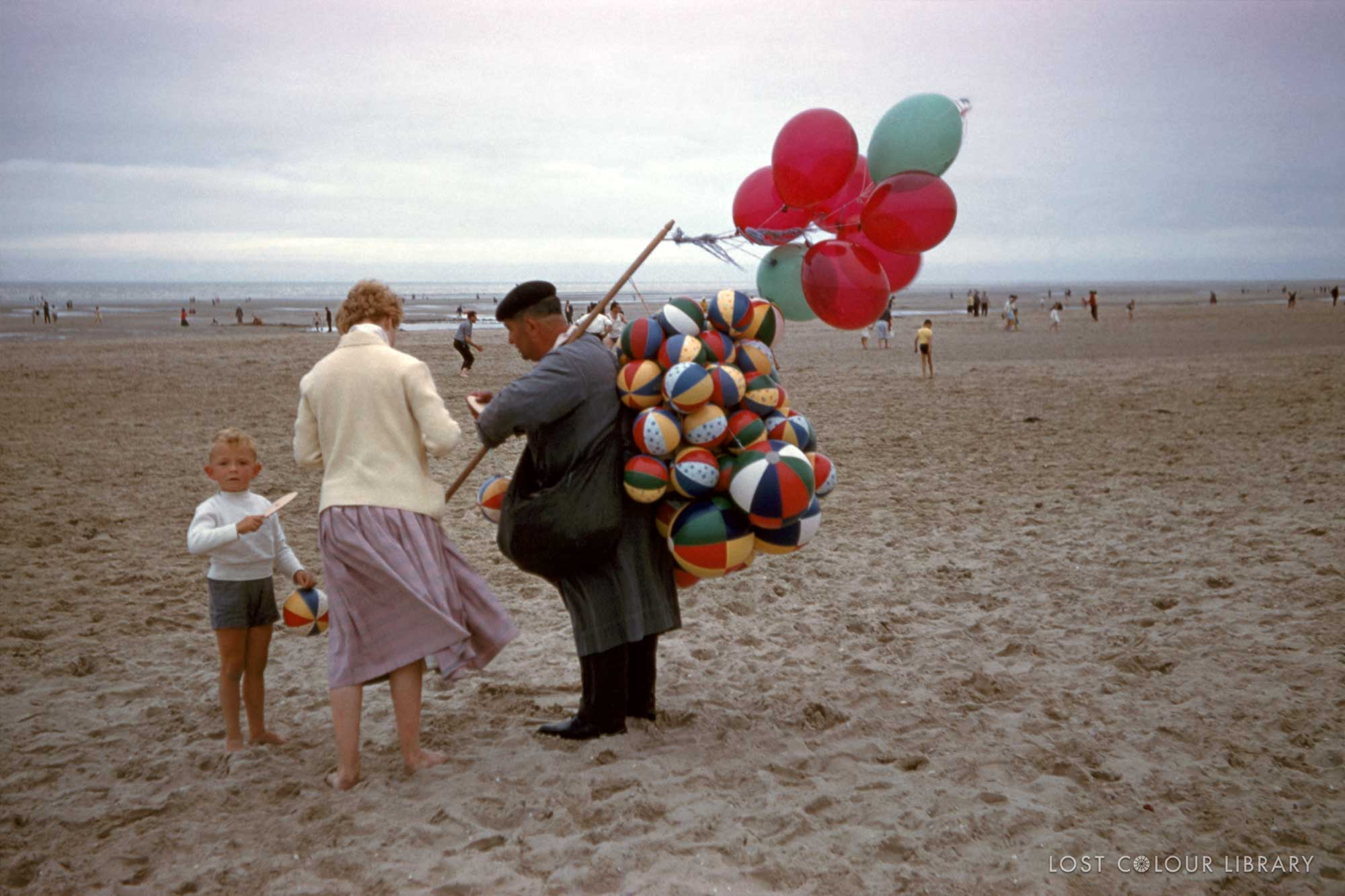 lcl-ww-ballon-seller-1955-site-wm.jpg