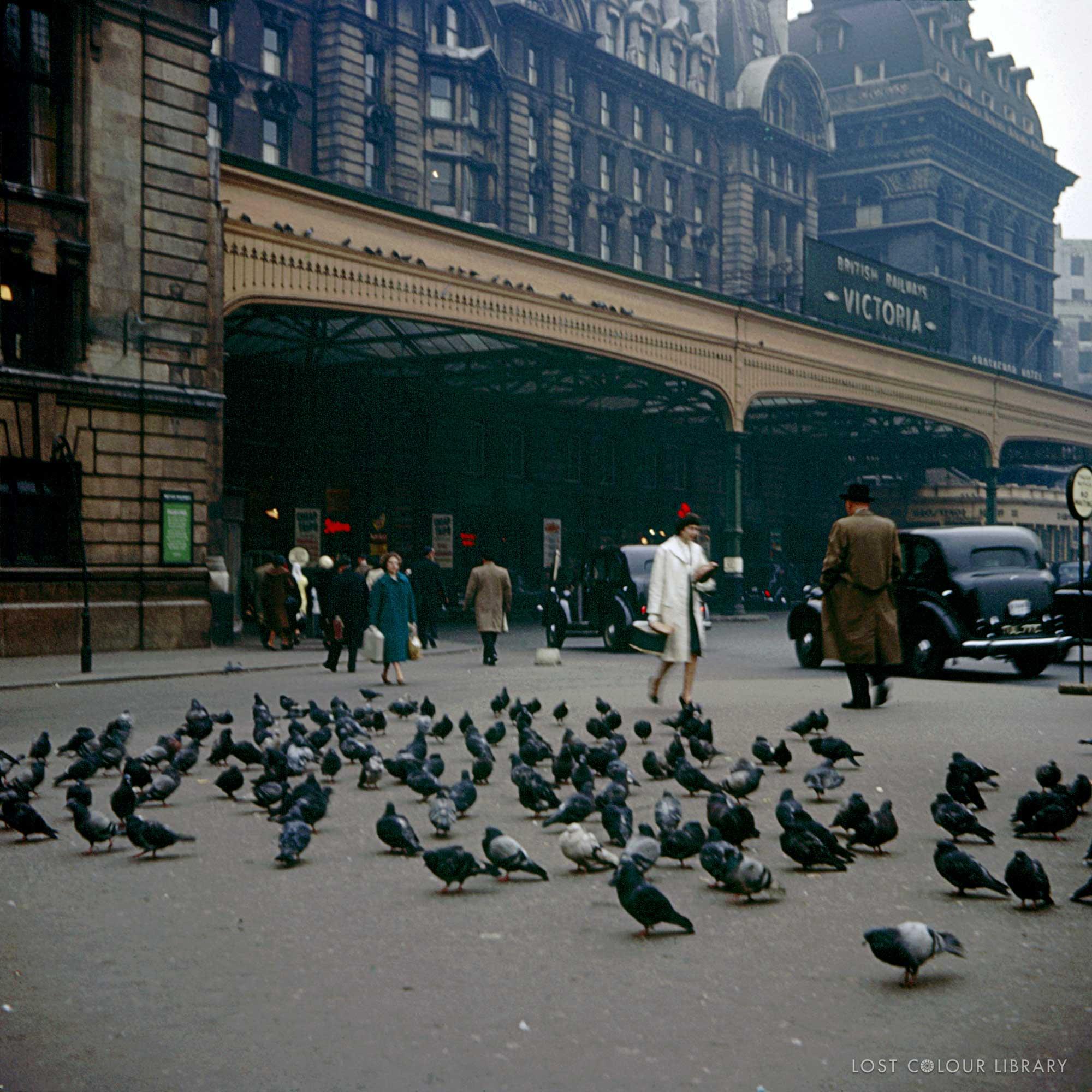 lcl-ww-victoria-station-1960-site-wm.jpg