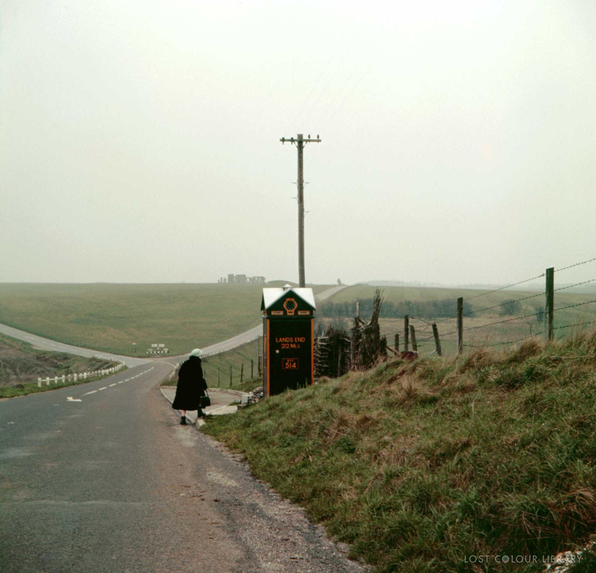 lcl-ww-stonehenge-1960-site-wm.jpg