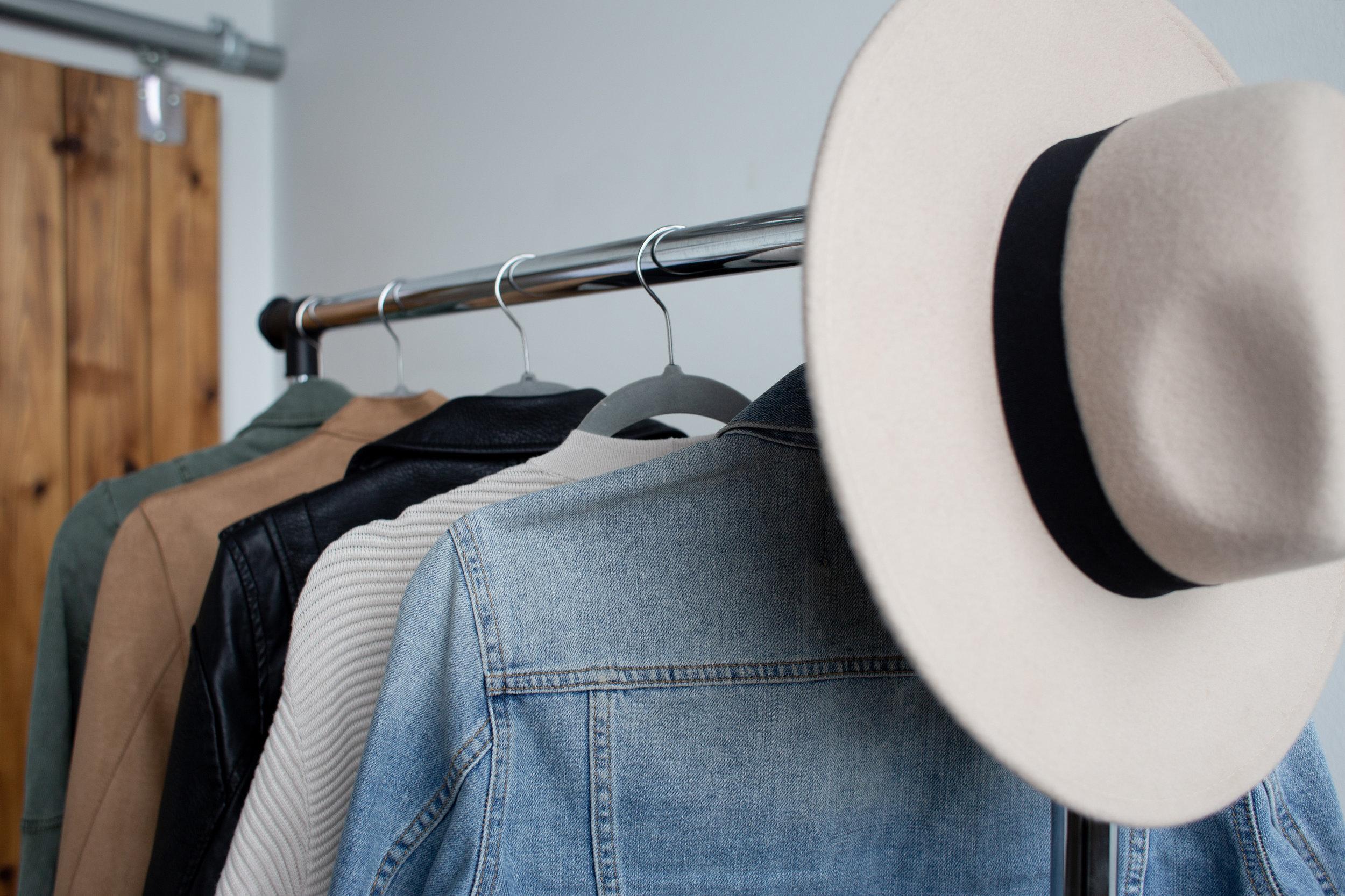 Minimalist closet | Cedar + Surf