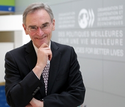 Greg Medcraft OECD.jpg