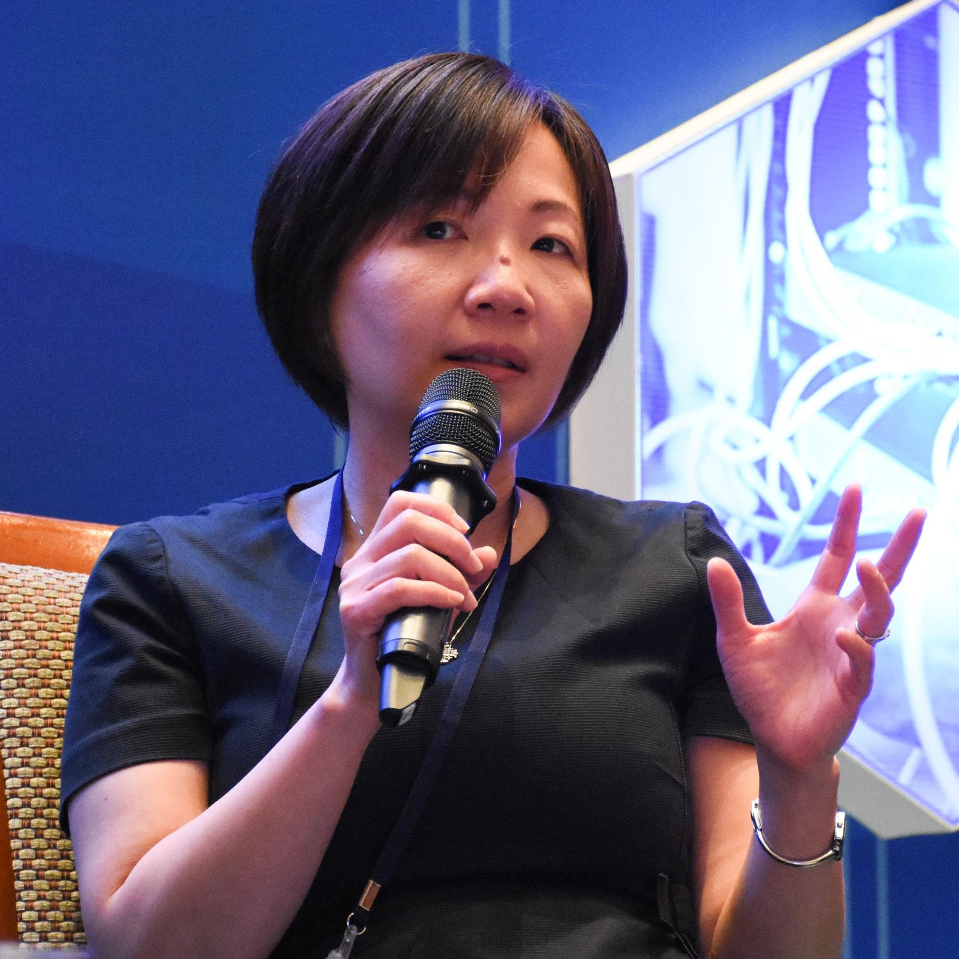 Lina Lim, Tempus Adventus