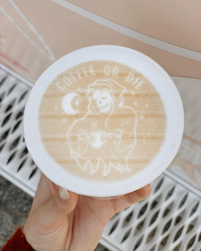Spooky seasoning. 👻 ☕️