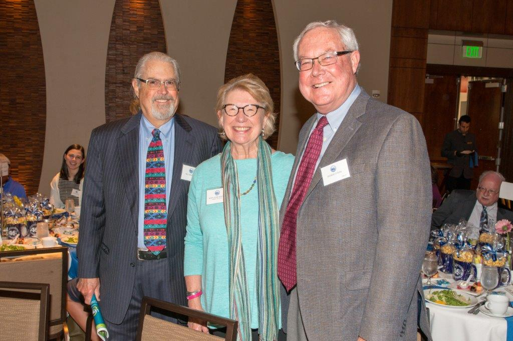 _DSC4953 Bill Mohrman, Mary Anne Harvey & George Curtis (courtesy of Hartmannphoto).jpg