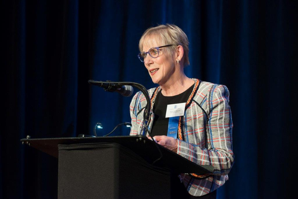 Rebecca Fischer accepts the Outstanding Sustained Contribution Award (Photo courtesy of Hartmannphoto).jpg