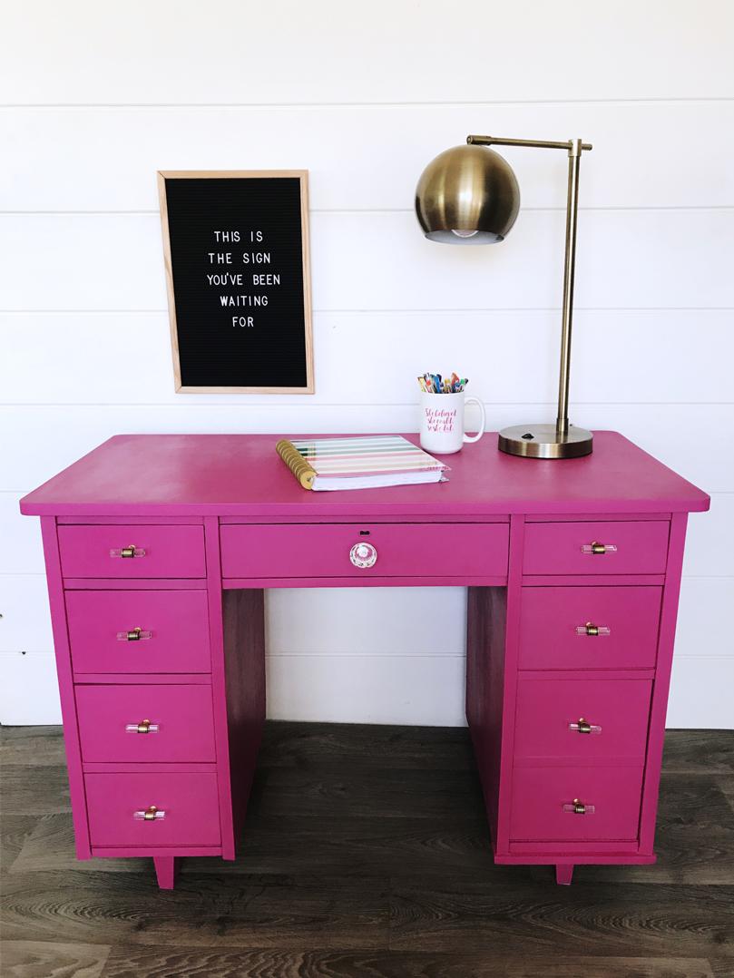 hot-pink-desk.jpg