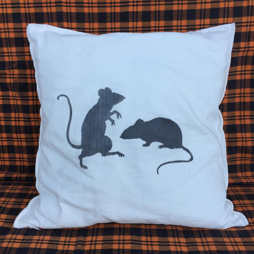 post-22A-halloween-pillows-8.jpg