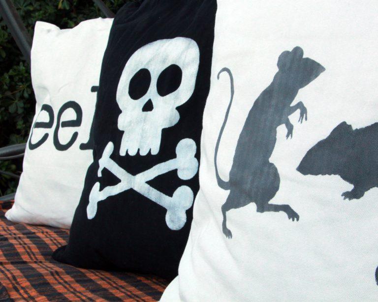 post-22A-halloween-pillows-13.jpg