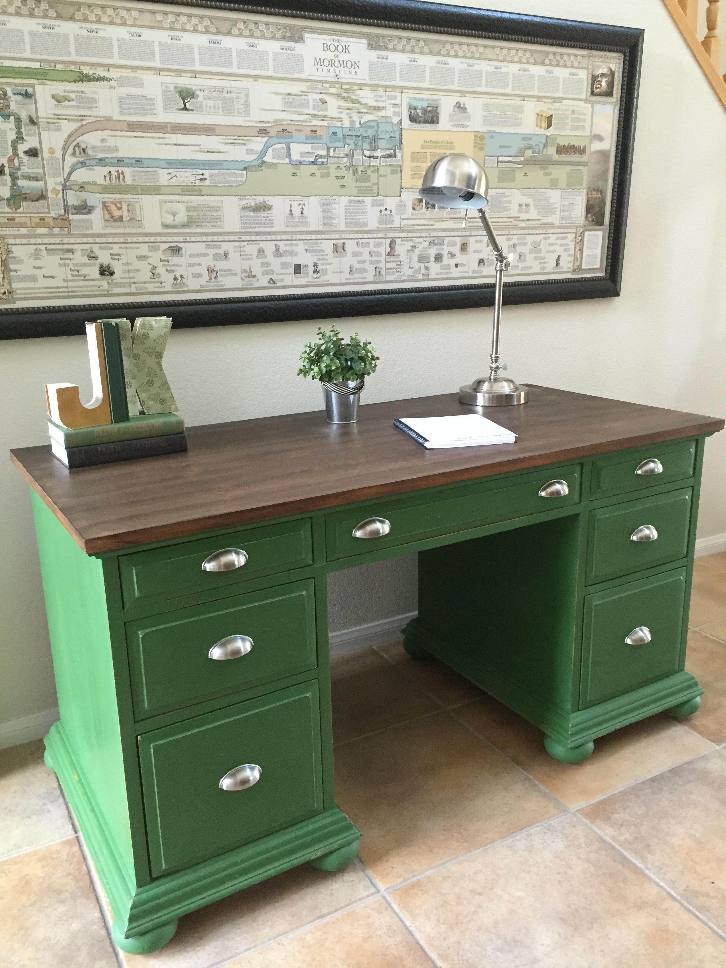 Green Desk a.JPG