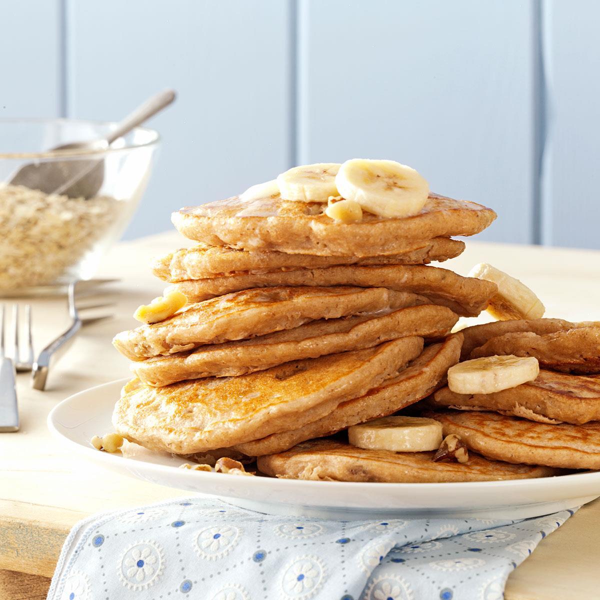 Banana Oatmeal Pancakes - By Madalena Vasconcelos