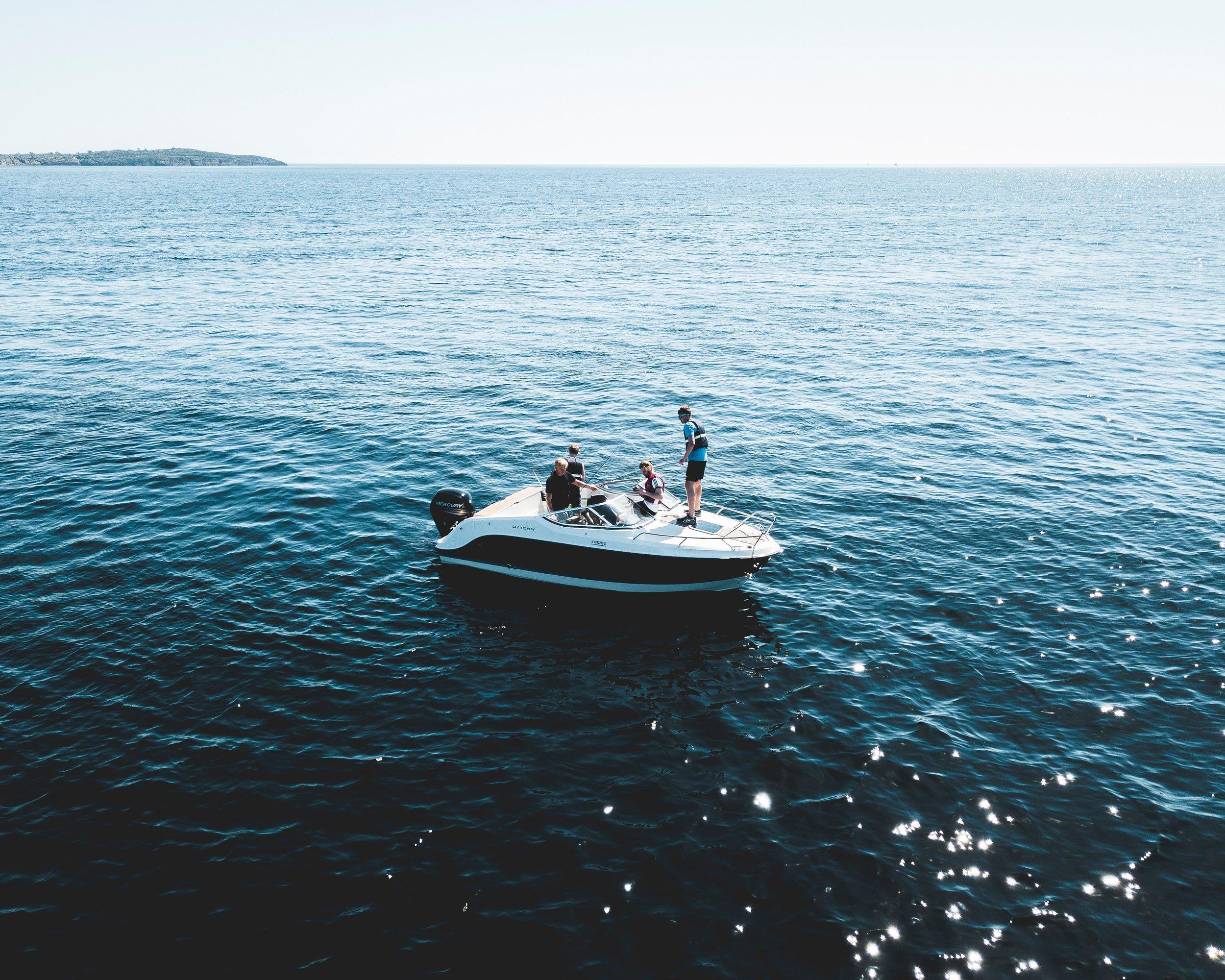 adventure-boat-daylight-1106423.jpg