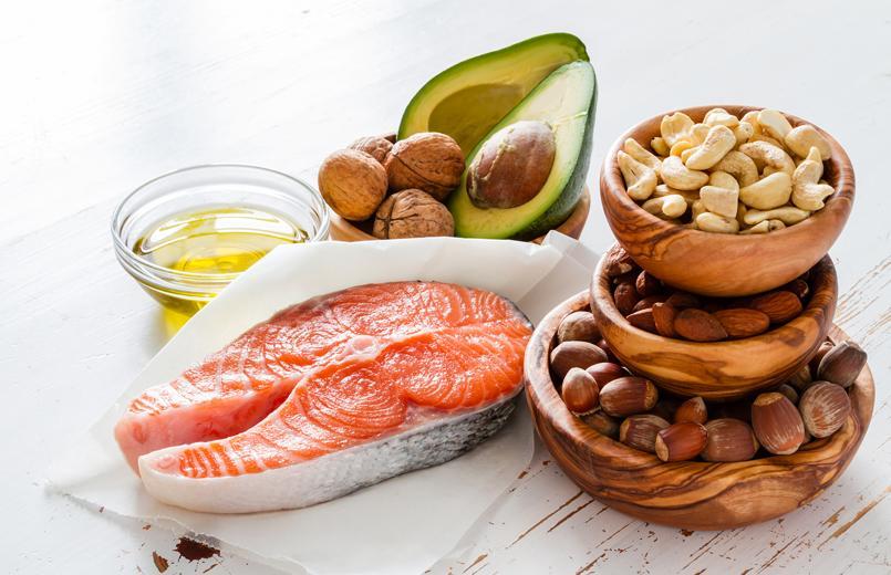 The+Palto-ketogenic-foods-on-a-wooden-table-salmon-nuts-avocado-oil_1400x.progressive.jpg