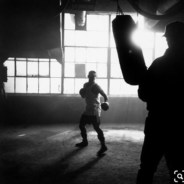 You punch. How hard? How fast? Time to find out, then raise the bar. . . . 📷 Peter Marlow, NYC. 'Prince' Naseem Hamed filming #adidas commercial. 1996 🔥 . .  thecornerapp.ca #boxingtrackers #trainwithcorner #boxing #training #fightthelimit