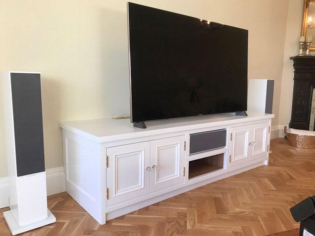 custom-tv-cabinet.JPG