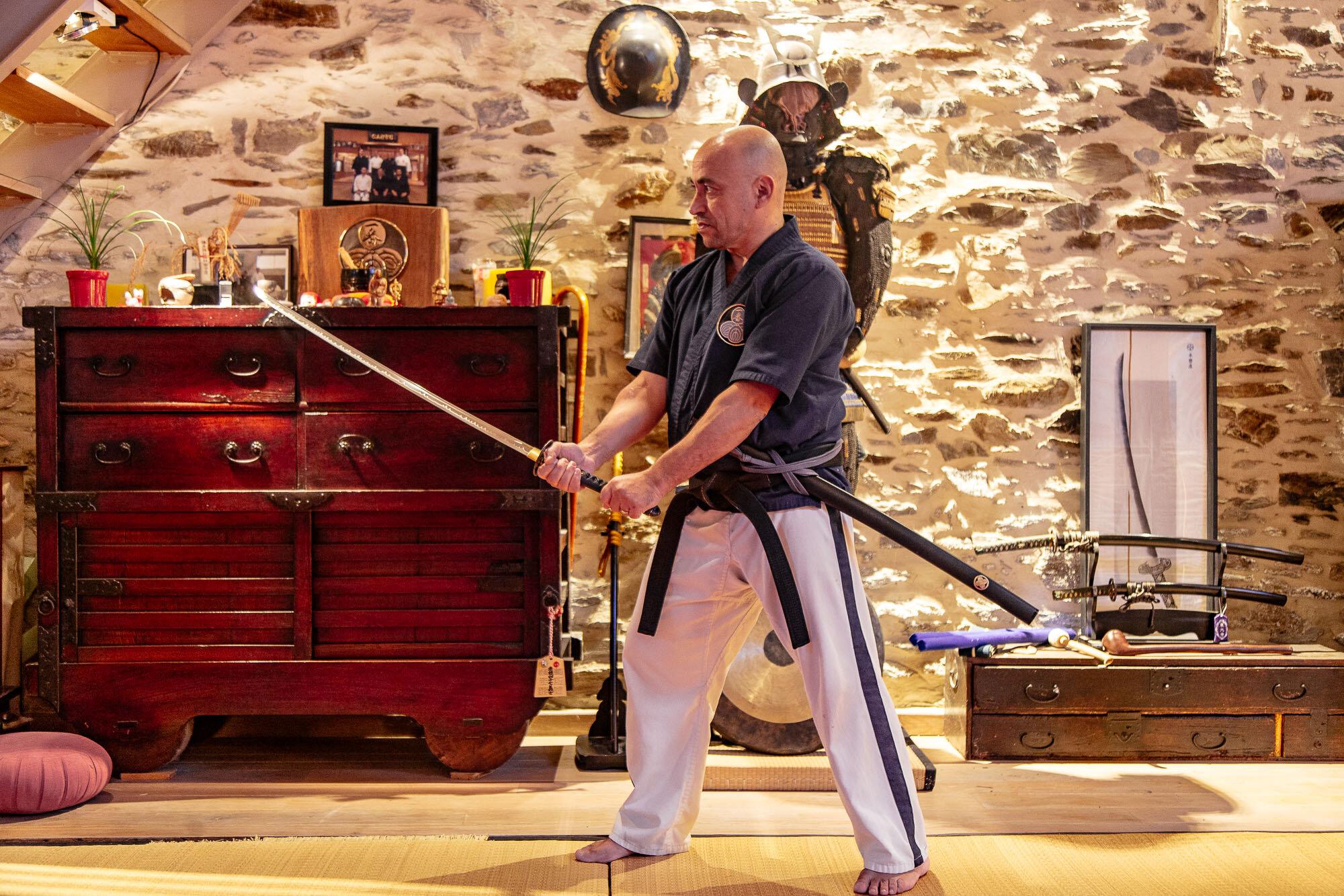Iaido Mugai-ryu & Jo-do - Le Iaido est l'art de dégainer le sabre et de trancher en un seul mouvement…