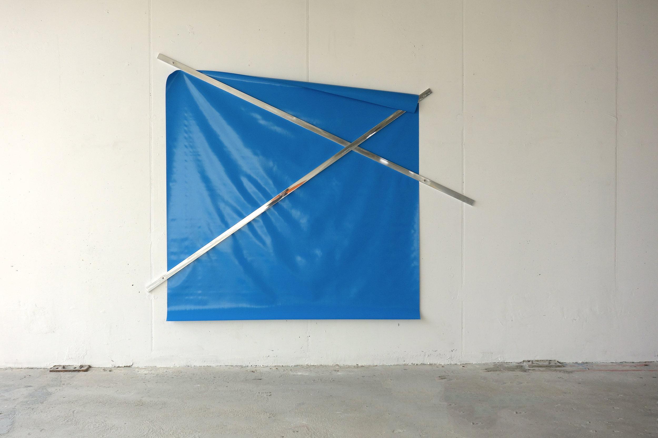 o.T. (untitled), 2009  PVC tarpaulin, water blue (218 x 218 cm), aluminum, polished (300 x 5 x 2 cm), 235 x 290 x 2 cm