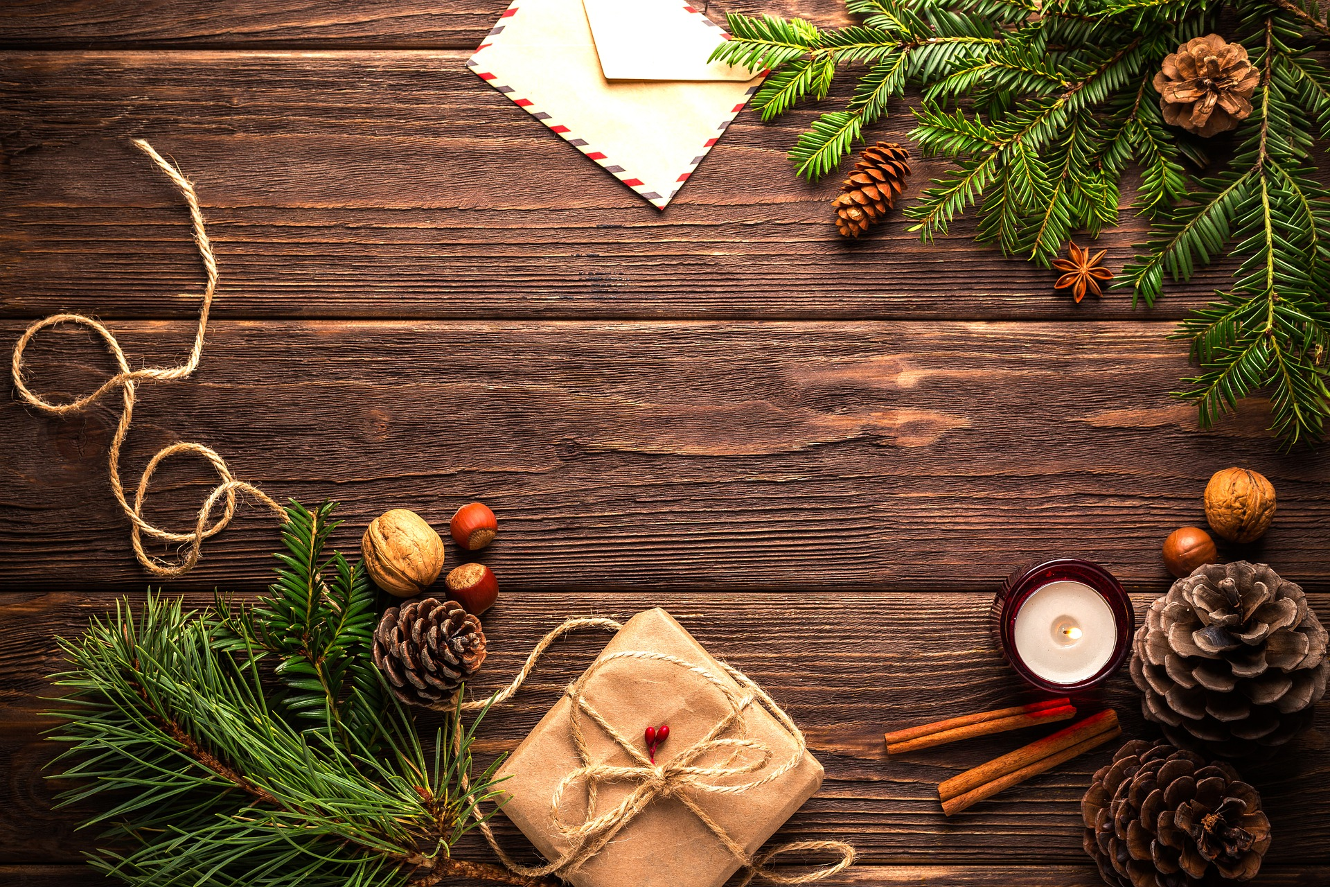 christmas-1911637_1920.jpg