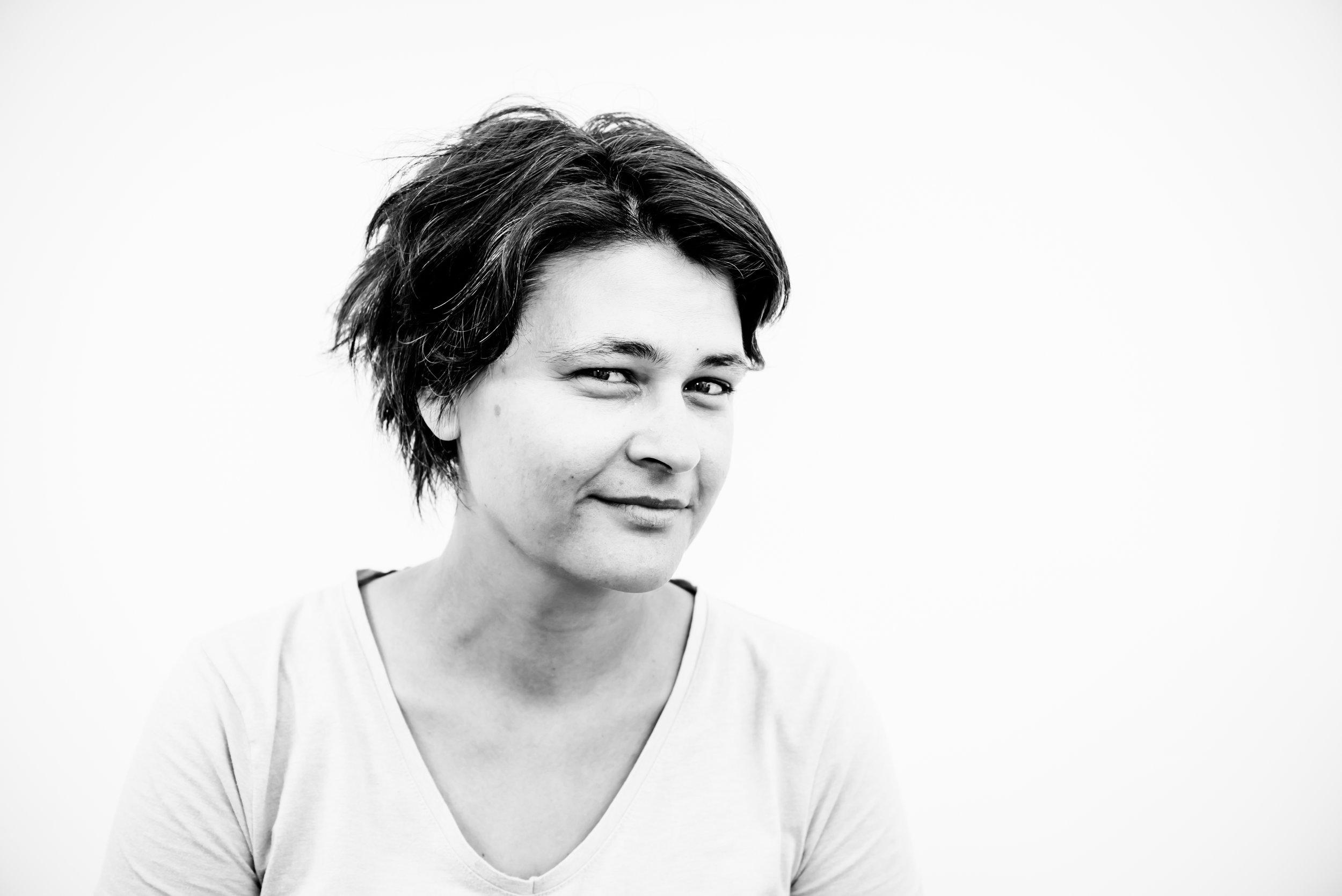 IRINA HOLZINGER