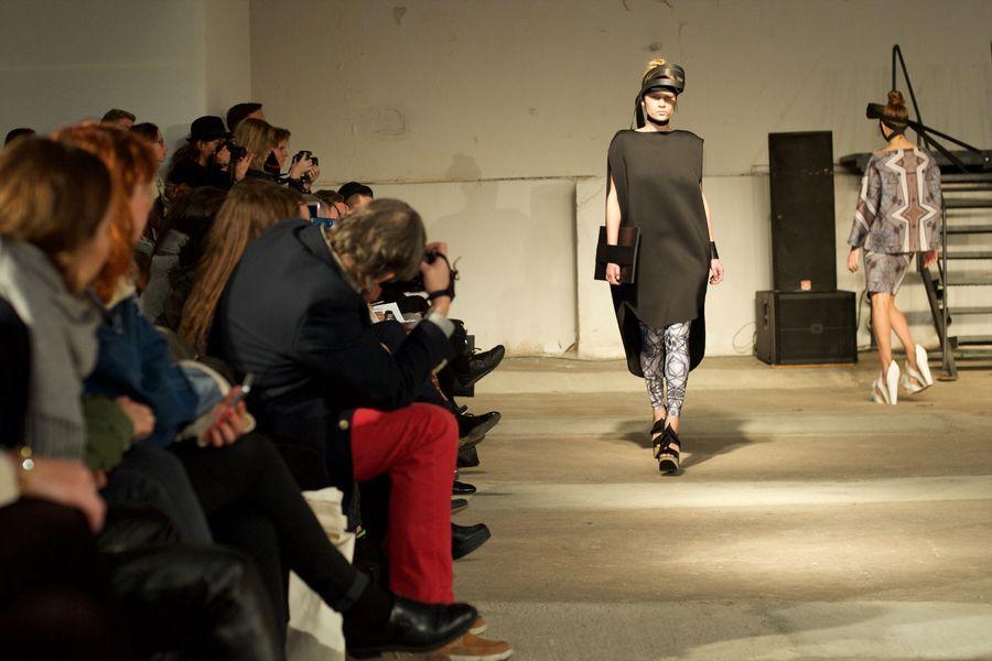 fashion-week-poland-off-baiba-ladiga-wiosna-lato-2015-fot-lukasz-szalag-2.jpg