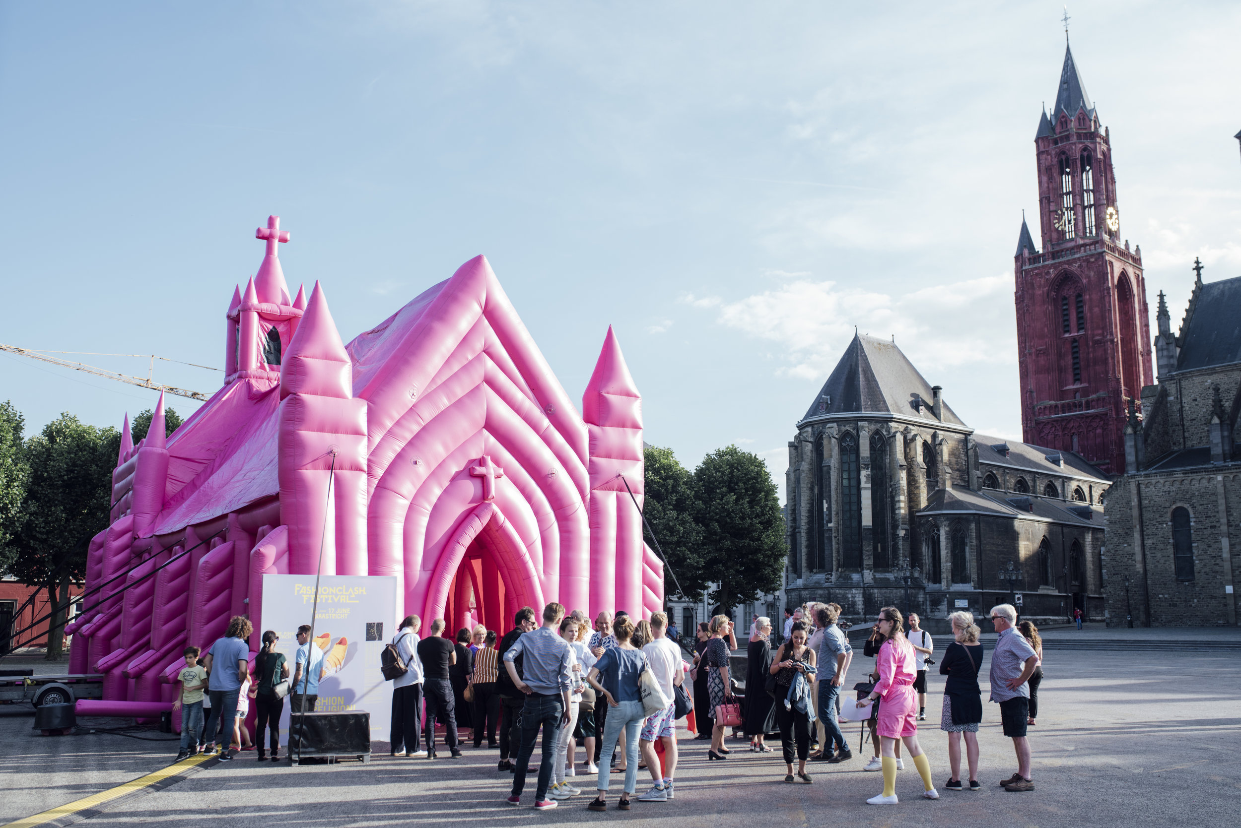 The Pink Church, by Waardengedreven_photo Ginger Bloemen_1.jpg
