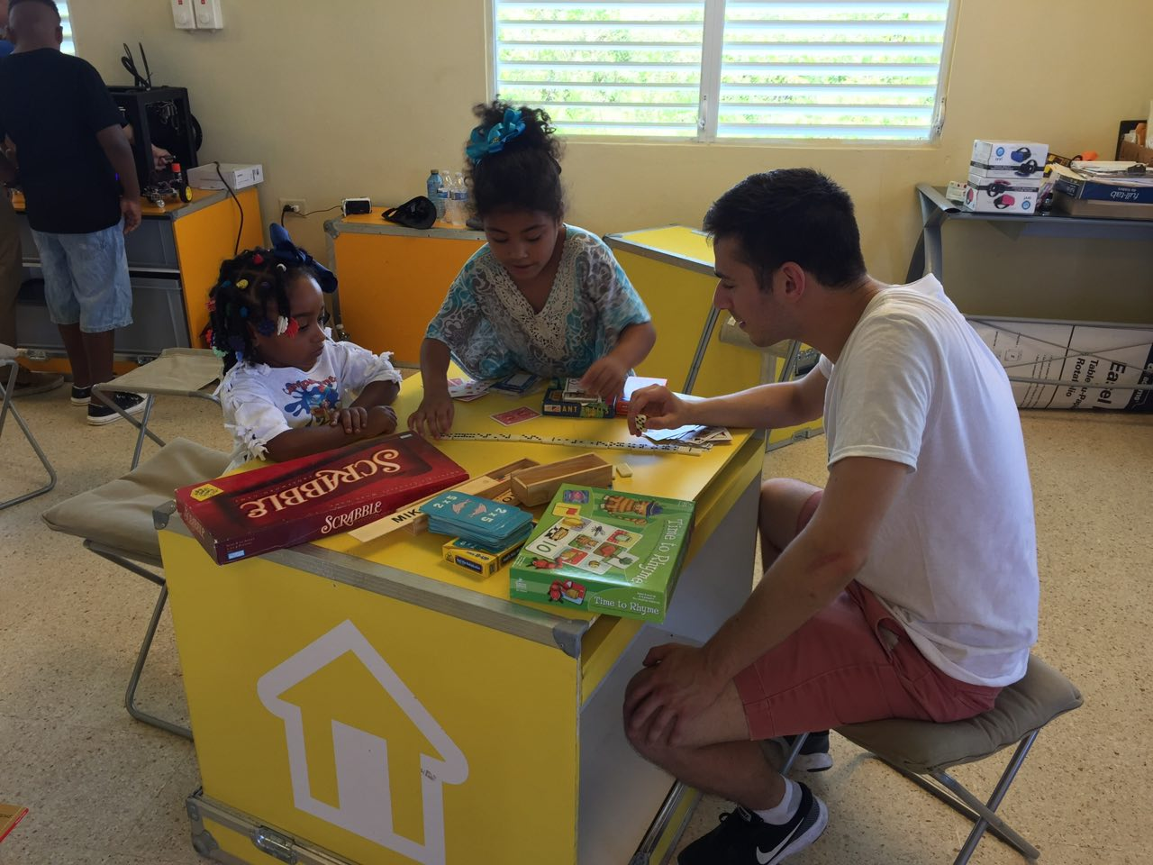 Executive Director, Adam Echelman, engaging with locals through the IdeasBox program in Loiza, Puerto Rico.