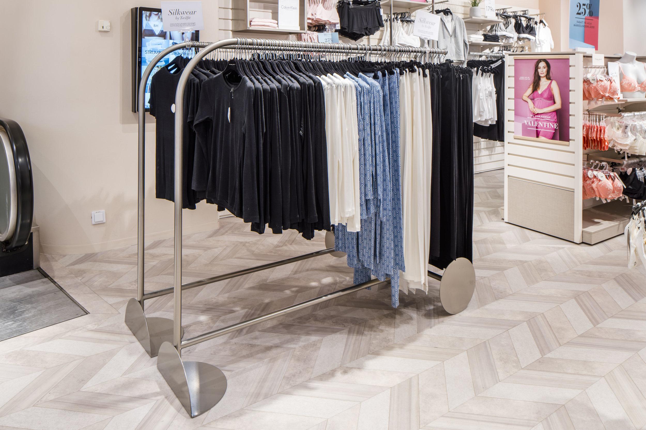 Twilfit, Gallerian - Retail Design