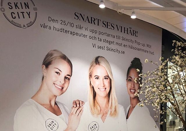 Excited that the Skincity pop-up is opening soon! WorkShop is a proud partner in realizing this pop-up, which brings the online skincare success story offline. WorkShop has created the interior and design concept, managed production as well as some staffing. Check it out from October 25th in Mall of Scandinavia! . . . #conceptdesign #creative #agency #artdirection #inspiring #retail #retaildesign #design #skincity #popup #mallofscandinavia #mall #skincare #makeup #beauty