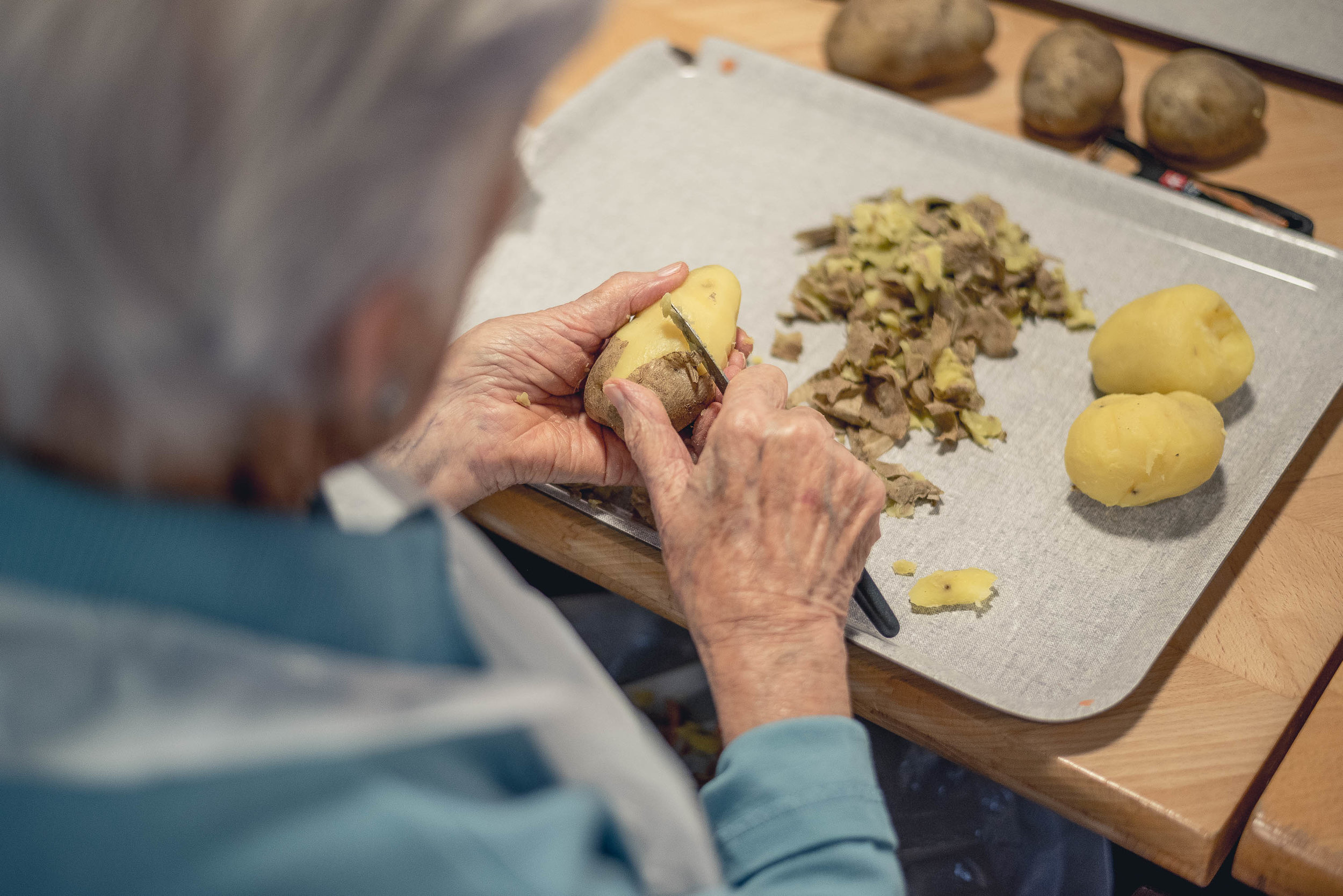 Essen - In unserer Küche wird jede Mahlzeit frisch zubereitet, wenn immer möglich mit regionalen und saisonalen Zutaten. Das ist nicht nur bekömmlich, sondern auch abwechslungsreich. Weiter