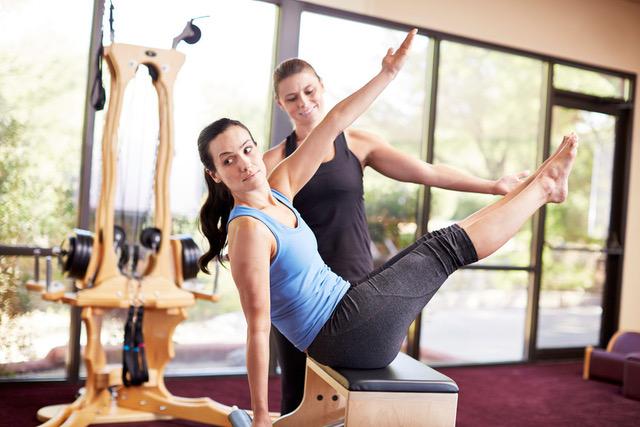 female-stretch-pilates-class-canyon-ranch-wellness-resort.jpeg