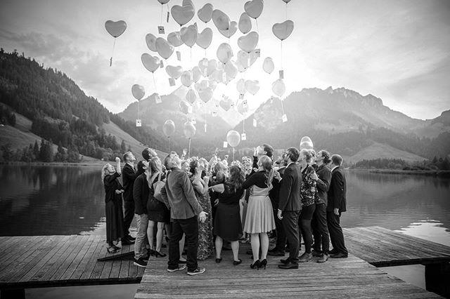 Kennst du jemanden, der 2020 seinen grossen Tag feiert? Dann empfiehl mich und erhalte einen Gutschein auf dein eigenes Shooting oder deine Fotokursteilnahme bei einer Buchung im 2019. #wedding #hochzeiten #seeland #bern #fotograf #hochzeitsfotografie #hochzeitsfotos #hochzeitsfotograf #hochzeitsbilder