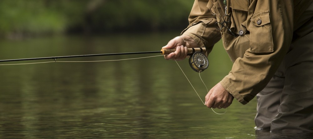 Fly-fishing-ken-close-up-in-water-1000x445.jpg