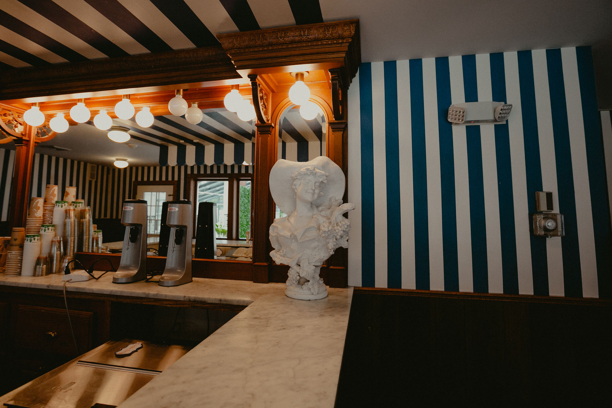 ENJOY - The Inn's ice cream parlor is a perennial guest favorite. Our self-serve ice cream parlor is located in the clubhouse adjacent to the pool, and is open 24/7 for our guests. Enjoy a complimentary selection of ice cream, toppings, and cones.