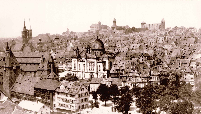 Bis ins Jahr 1938 prägte die Kuppel der Nürnberger Hauptsynagoge das Stadtbild.