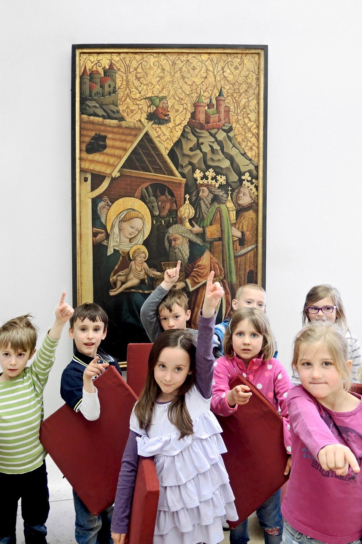 Kinder bei einer Führung im GNM. Foto: Kunst- und Kulturpädagogisches Zentrum der Museen in Nürnberg