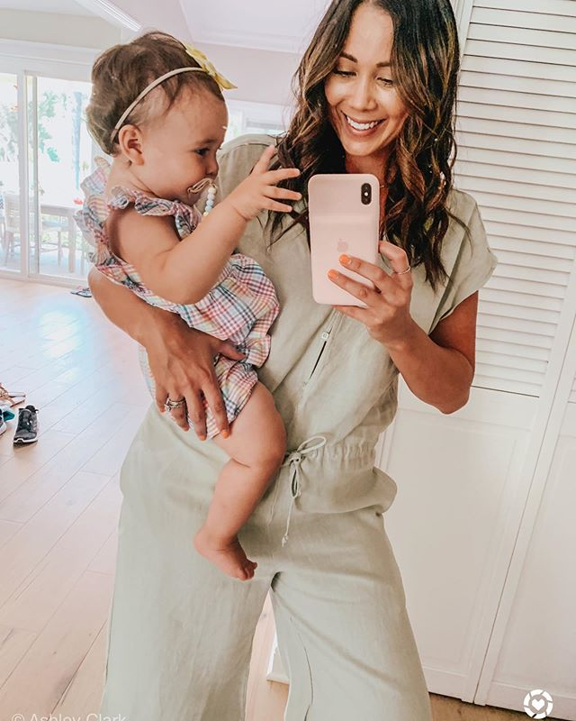 Annabelle loves to wave hi to everyone and she's waving to you all here 🤗 Today I shared a hair curling tutorial for you babes in my stories (also saving them to my highlights as well) with my go to curling iron that's currently on sale. You can shop it with @liketoknow.it in the app or from my website•••••••••••💖 http://liketk.it/2DxaR #liketkit #LTKbaby #LTKbeauty #hairtutorials #t3curlingiron
