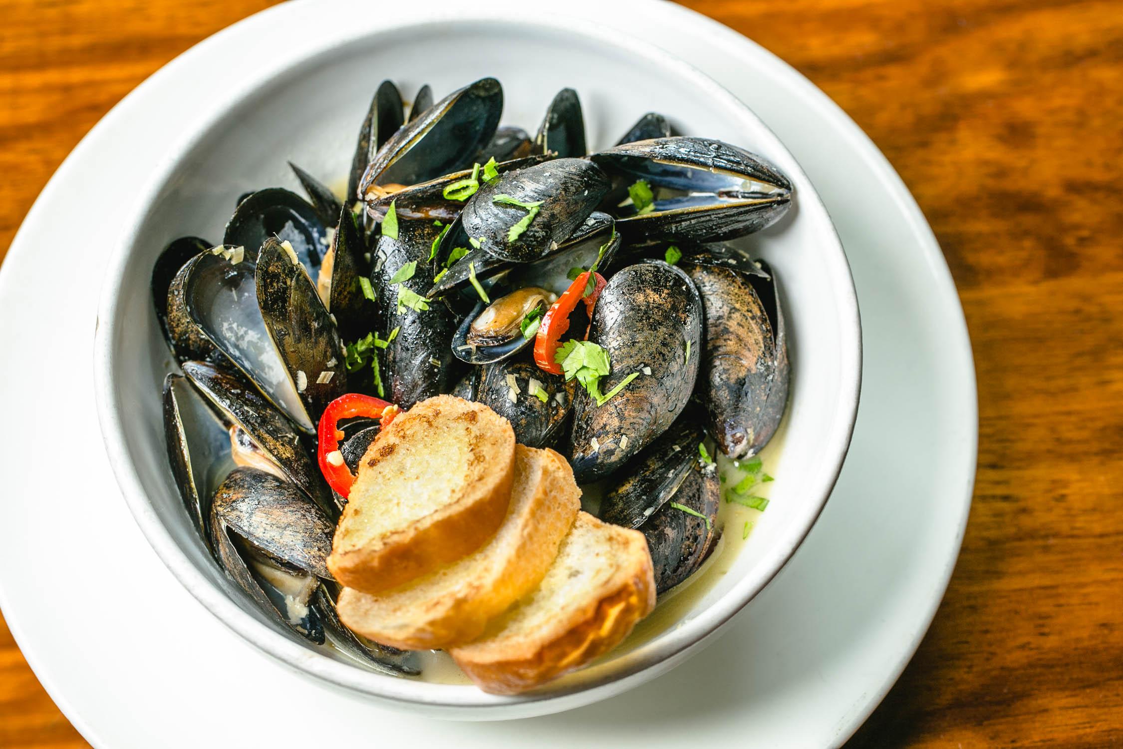 Le-Fat-Mussels-Erik-Meadows