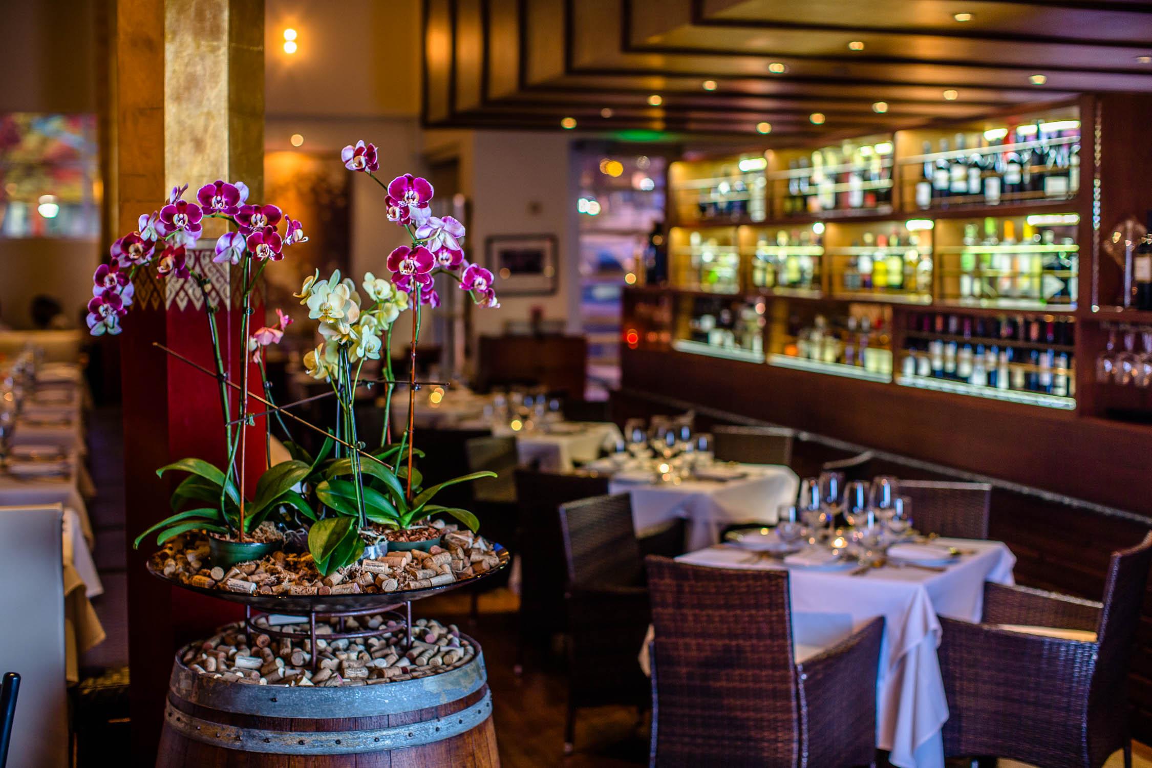 Nan-Thai-Fine-Dining-Bar-Decor-Erik-Meadows