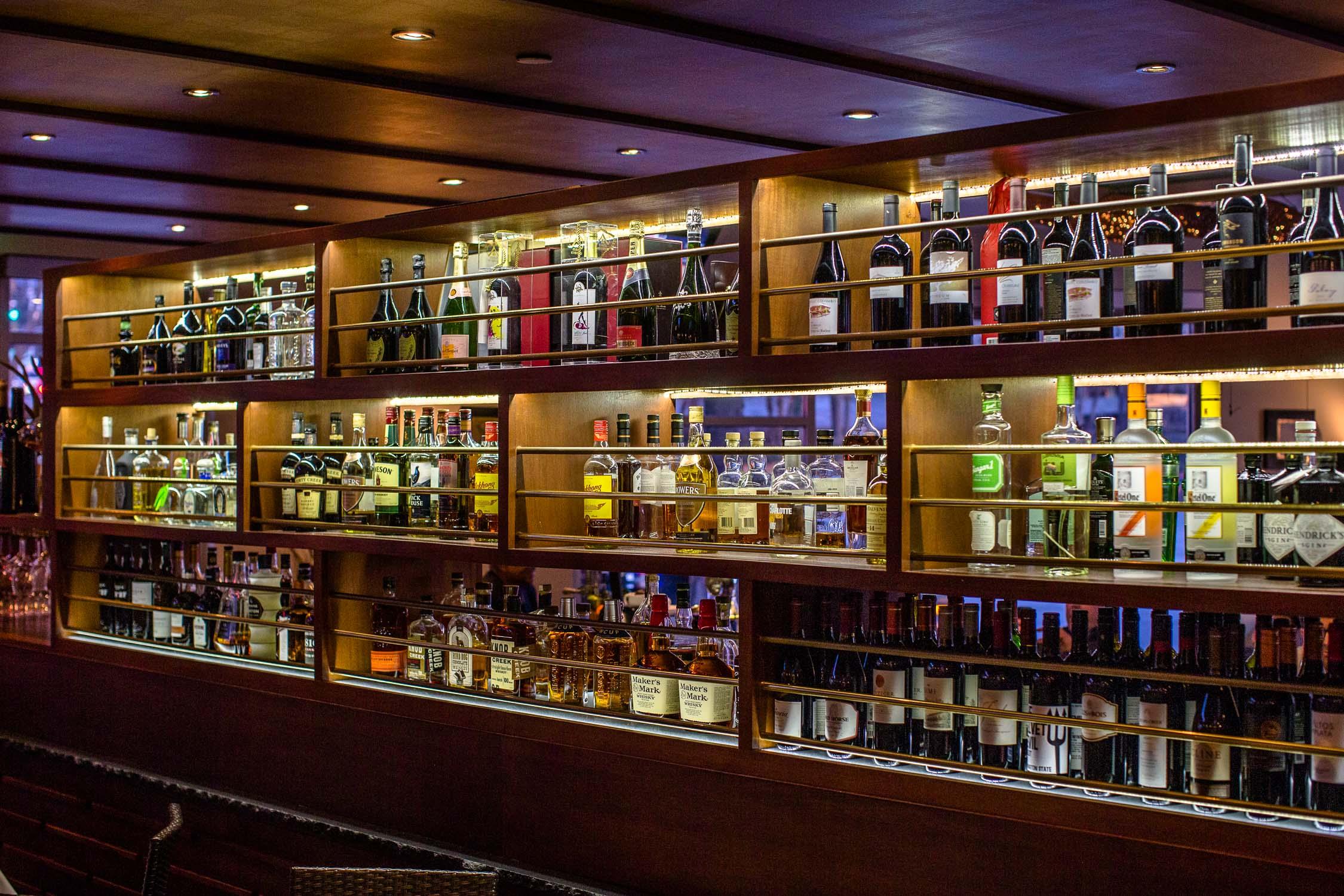 Nan-Thai-Fine-Dining-Bar-at-Night-Erik-Meadows
