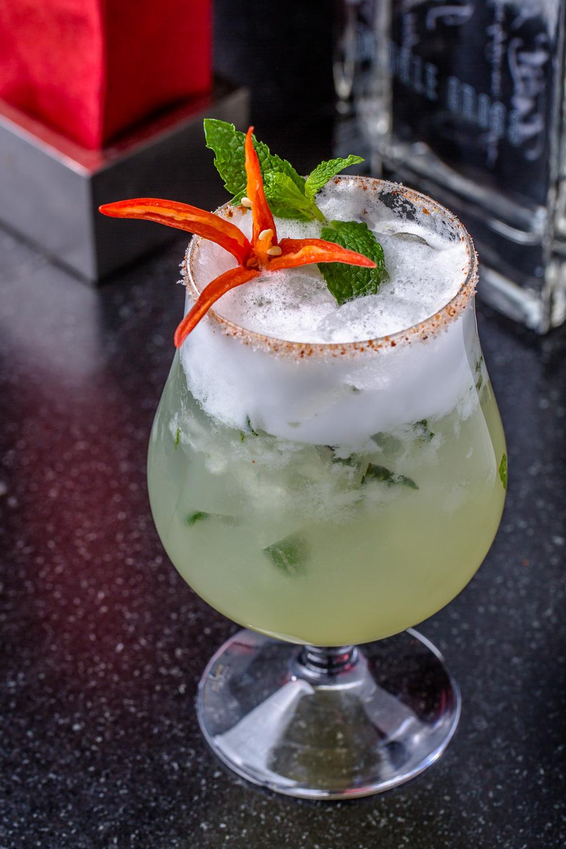 Nan-Thai-Fine-Dining-Spicy-Cocktail-Erik-Meadows