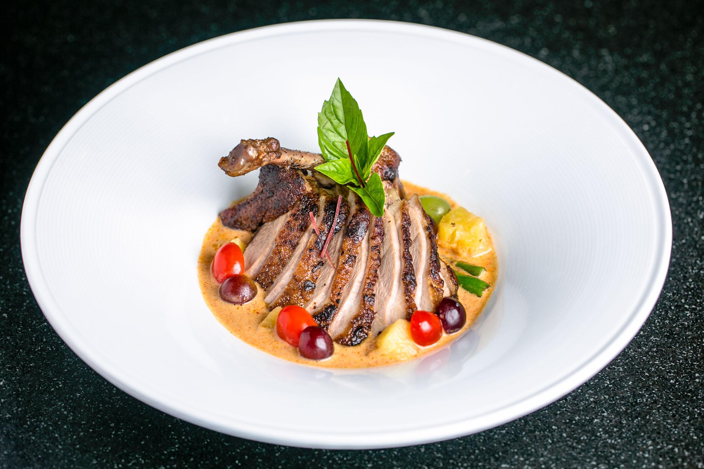 Nan-Thai-Fine-Dining-Chicken-Erik-Meadows