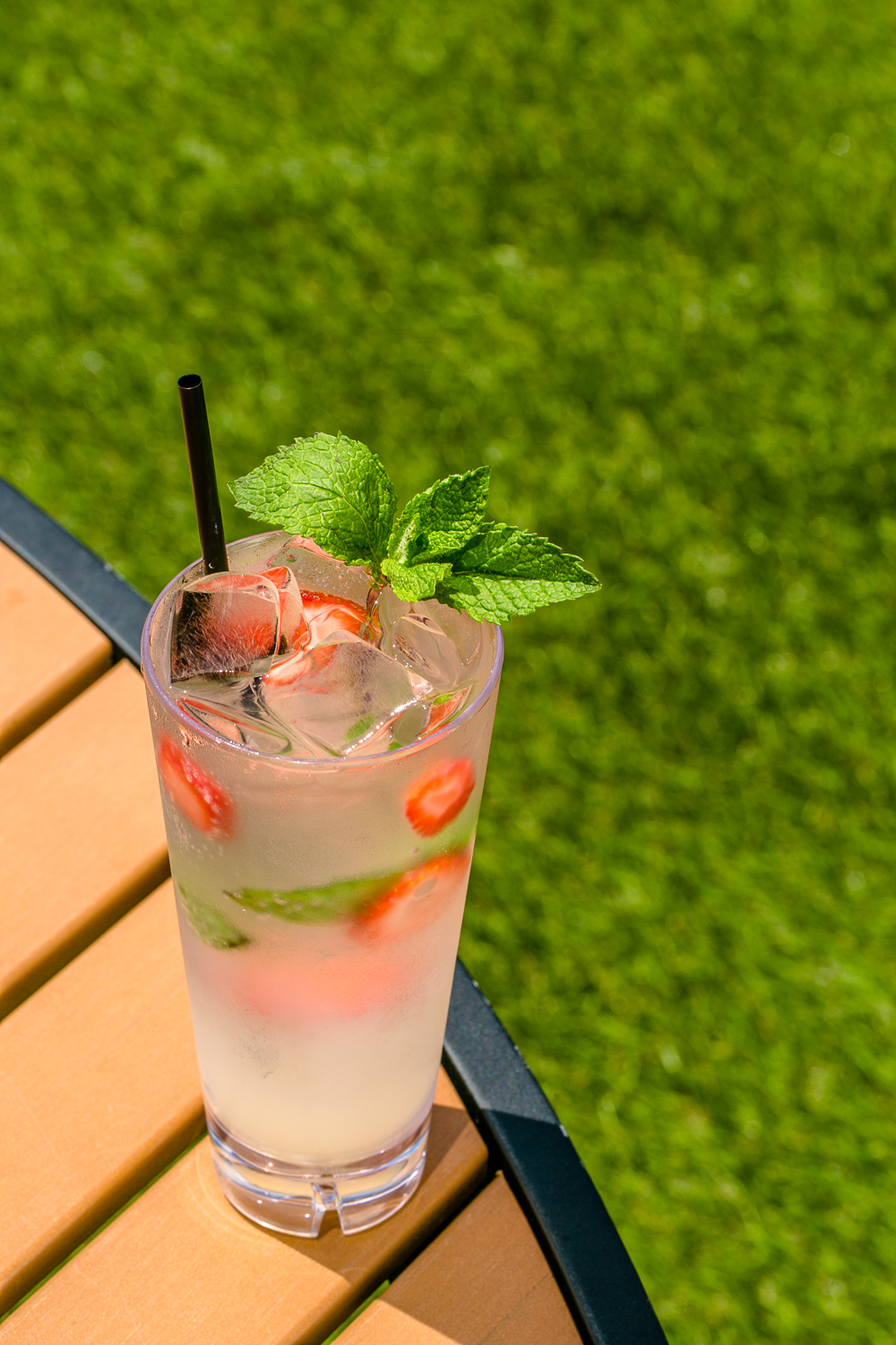Omni-Hotel-at-The-Battery-Atlanta-Suntrust-Park-Strawberry-Mint-Cocktail-Erik-Meadows