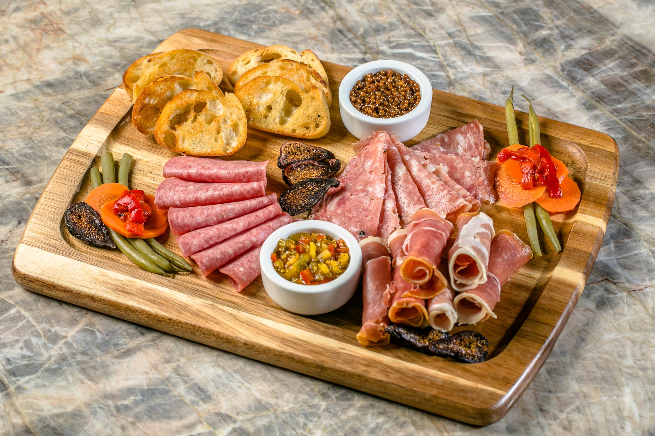 Omni-Hotel-at-The-Battery-Atlanta-Suntrust-Park-Meat-and-Cheese-board-Erik-Meadows